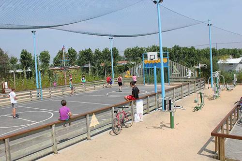 Terrain multi-sports au Bois Joly
