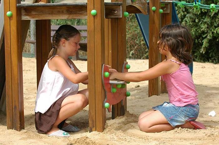 Camping familial avec jeux pour enfants au camping en Vendée