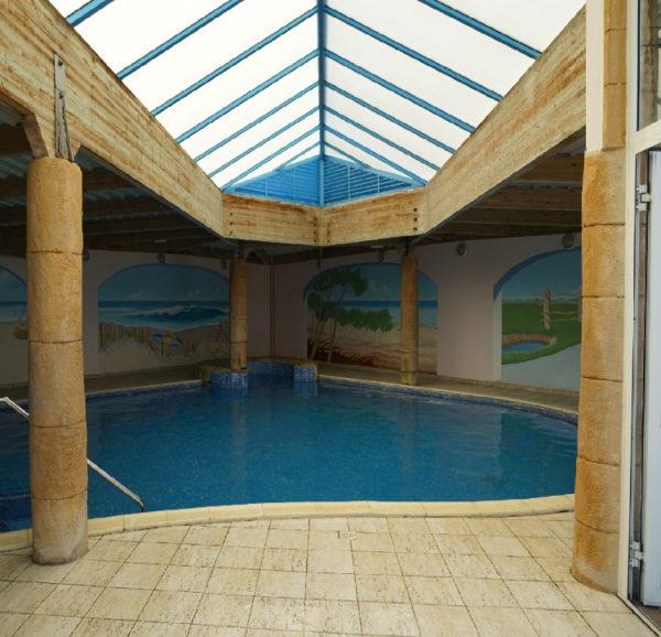 piscine couverte du camping le Bois Joly St Jean de Monts