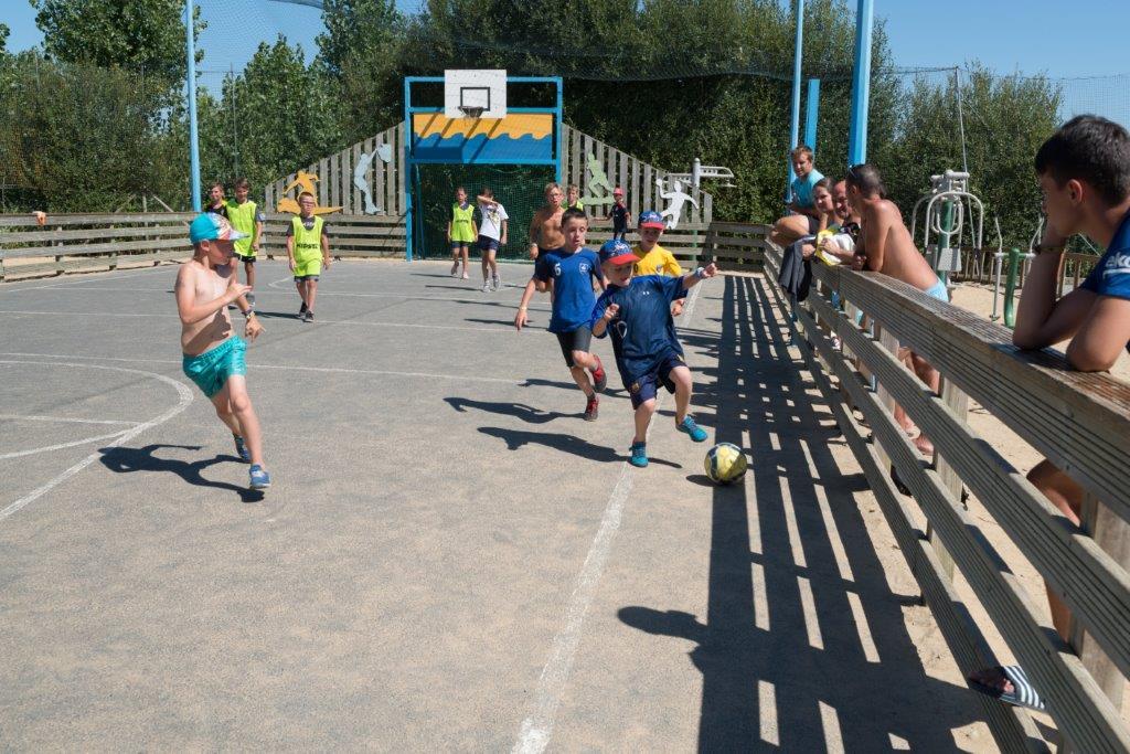 tournoi sportif au camping le Bois Joly