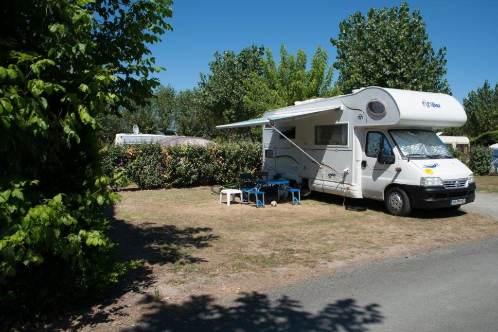 location emplacement camping-car st jean de monts