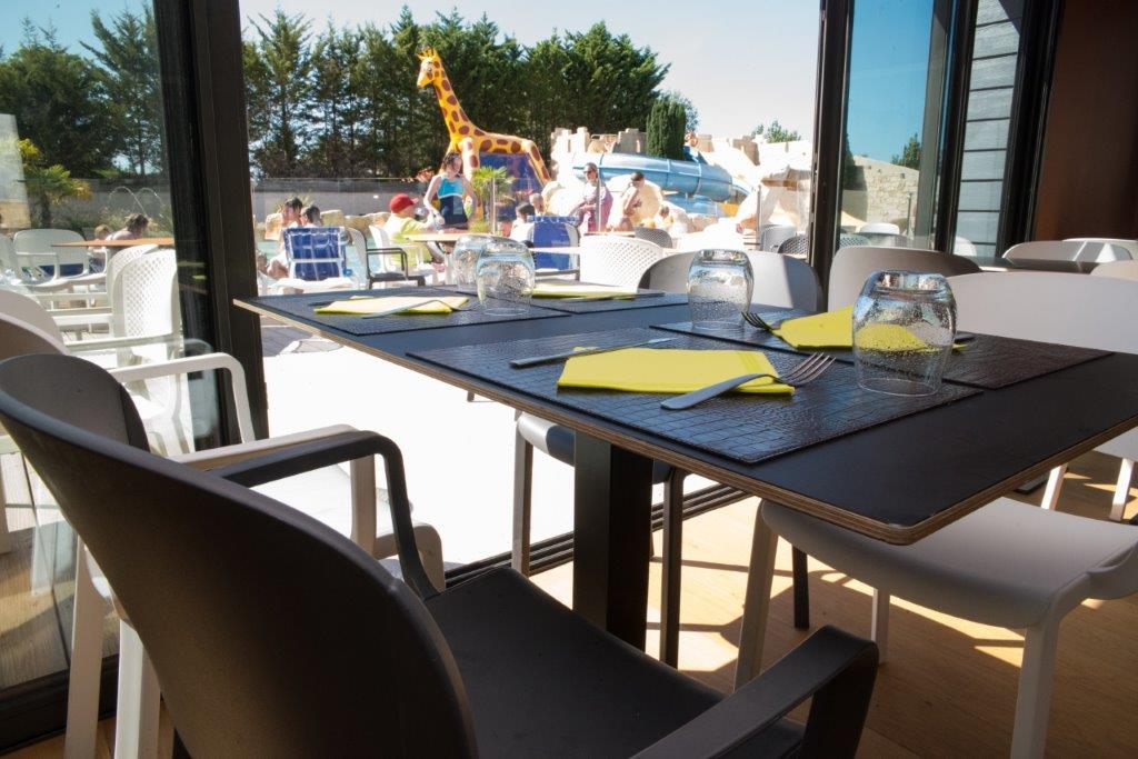 restaurant du camping - vue piscine