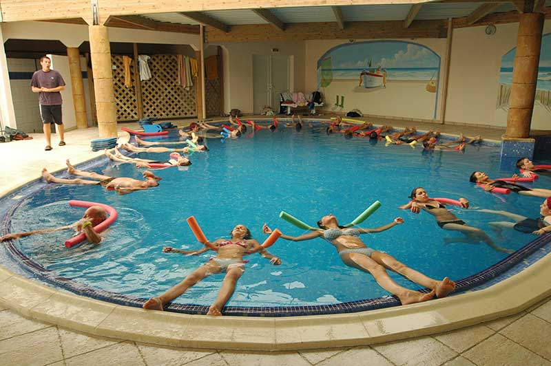 piscine couverte aquagym