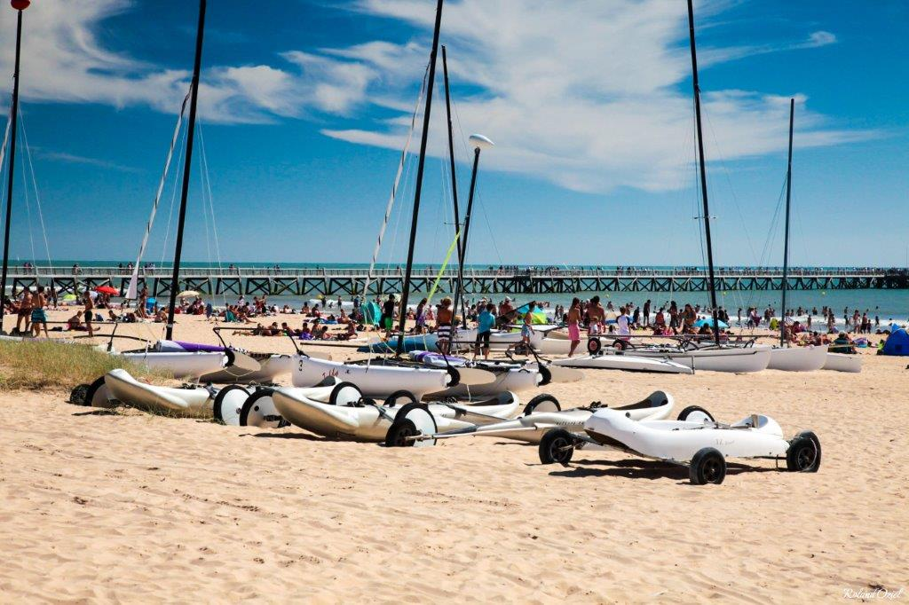 plage de saint jean de monts avec activités nautiques