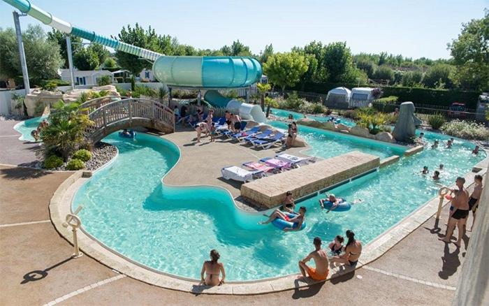 camping le Bois Joly avec piscine et toboggans