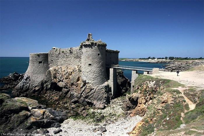 château de l'île d'Yeu au départ du camping