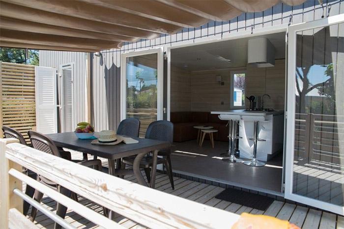 terrasse mobil home haut de gamme en Vendée
